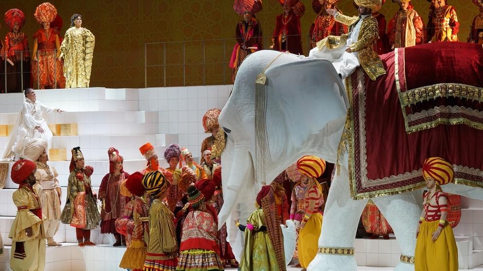 """Welser-Möst conducts """"glittering"""" Die Liebe der Danae in Salzburg"""