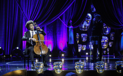 Sheku Kanneh-Mason gives moving performance at the EE British Academy Film Awards